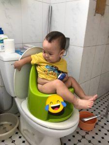Lí do mà ba mẹ bỉm sữa Việt nên sử dụng bô rửa vệ sinh Boom Potty trong việc vệ sinh cho bé