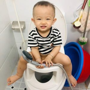 Lợi ịch khi vệ sinh cho bé bằng bô boom potty các mẹ không thể bỏ qua