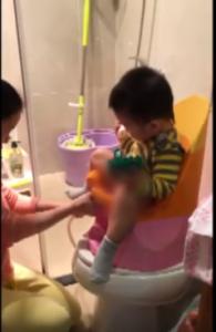 Cách vệ sinh cho trẻ khi đi ngoài