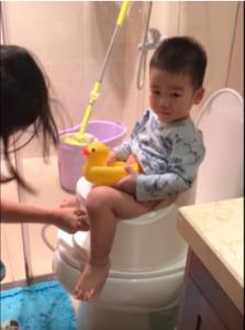 Hướng dẫn vệ sinh cho trẻ khi đi ngoài