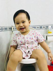 Đánh giá bô vệ sinh Boom Potty của mẹ Yang Nguyễn