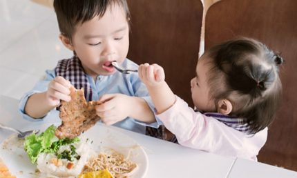 Thực đơn cho bé 2 tuổi hợp lý và đầy đủ dinh dưỡng nhất