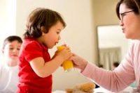 Đảm bảo dinh dưỡng cho bé vào mùa hè như thế nào?